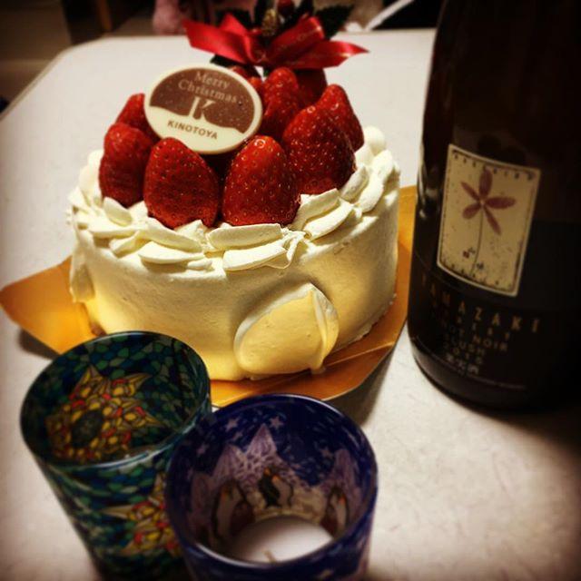 今年のクリスマスは、#きのとや のケーキと#山崎ワイナリー のピノ・ノワール・ブラッシュ。